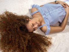 Les 10 meilleures façons de stimuler la repousse des cheveux