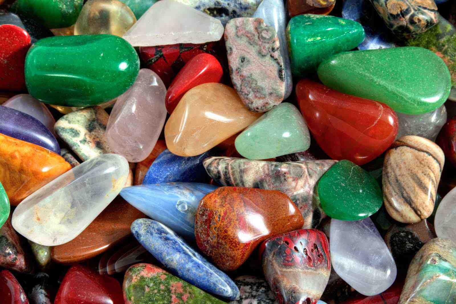 Comment nettoyer et recharger ses pierres ?