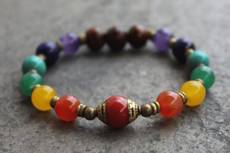 Comment purifier et recharger un bracelet 7 chakras ?