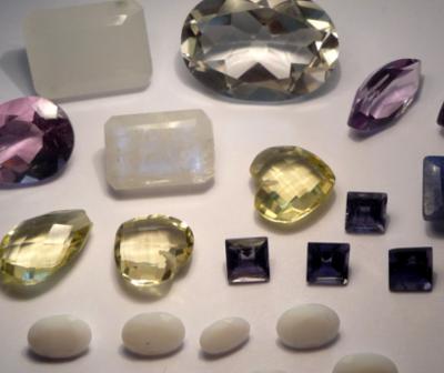 Comment reconnaître une vraie pierre précieuse ?